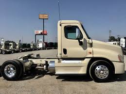 USED 2010 FREIGHTLINER CASCADIA DAYCAB FOR SALE IN CA #1388