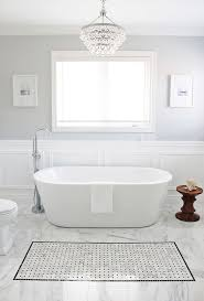 Chandelier Over Bathroom Sink by Top 25 Best Bathroom Chandelier Ideas On Pinterest Master Bath