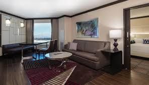 Caesars Palace Front Desk Agent by Get The Right Las Vegas Hotel Upgrades With The 20 Trick Front
