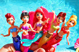Disney Little Mermaid Bathroom Accessories by Little Mermaid Ariel Color Change Dolls Mermaid Sisters Water