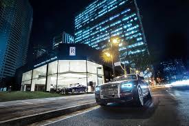 Patio Tuerca Panama Direccion by Motorbit Rolls Royce Motor Cars Inaugura Showroom En Filipinas