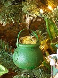 Decorating an Irish Themed Christmas Tree