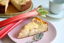 rhabarberkuchen mit rahm guss