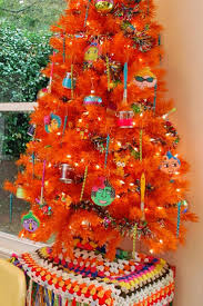 Evergleam Aluminum Christmas Tree Instructions by Best 25 Midcentury Holiday Decorations Ideas On Pinterest
