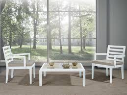 stuhl mit breiten sitz und armlehnen für moderne wohnzimmer