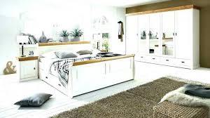 landhaus schlafzimmer massivholz weiß grau landhaus