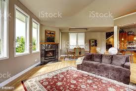 wohnzimmer mit kamin aus granit stockfoto und mehr bilder architektur