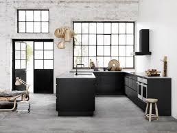 küchenrückwand ideen aus glas metall fliesen holz
