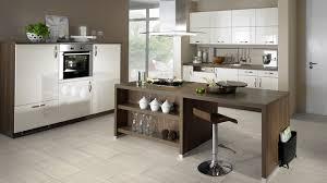 küche mit travertine bodenbelag aus klick vinyl fliesen