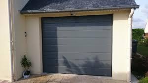 porte de garage en alu ral 7012 réalisation solabaie le maître