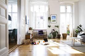 Living Room Vs Family