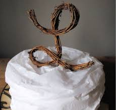 Simple Initial Wedding Cake Decoration