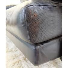 b b italia canapé black leather sofa by paolo piva for b b italia 1980s design