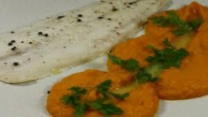 cuisiner le bar de ligne recette filet de bar de ligne purée mousseuse de potimarron sauce