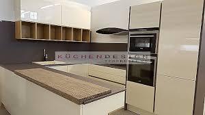 goldreif musterküche goldreif grifflose u küche in hochglanz