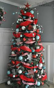 Saran Wrap Christmas Tree With Ornaments by How To Decorate A Christmas Tree A Designer Look From The Dollar