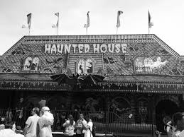 Halloween Express Tulsa by Halloween Attractions You Don U0027t Want To Miss U2013 Collegian
