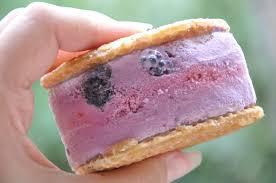 sandwich glacé au yaourt et aux mûres j veux être bonne