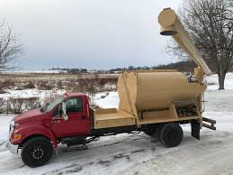 Bulk Feed Body Trucks | Midwest General Repair And Fabrication