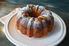 Whiskey Pound Cake – Baking in Black and White – Medium
