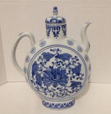 Daher Decorated Ware Tray 1971 by Large Unique Vintage Oriental Chinese Teapot Blue White Flat Round