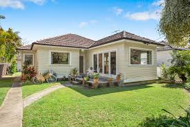 100 Queenscliff Houses For Sale Drake Real Estate Specialises In Real Estate In Northern