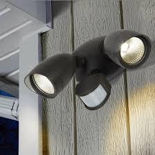 projecteur exterieur avec detecteur de presence projecteur exterieur led 2x11 w 4000 k avec ou sans detecteur