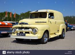 100 Ford F1 Truck 1951 Classic Pickup Truck Car Stock Photo 133712456 Alamy