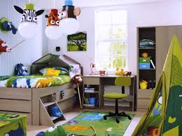 Small Toddler Room Ideas With Green And White Decoration