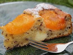 ameisen marillenkuchen mit puddingfüllung