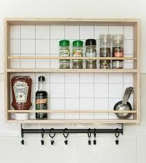 gewürzregal diy 7 ideen mit anleitungen für die küche