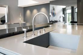 plan de travail en r駸ine pour cuisine mobilier résidentiel solid surface aménagement caluire v korr