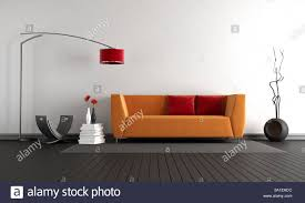 minimalistische wohnzimmer mit orange sofa gegen weiße wand