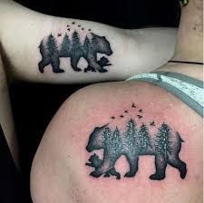 Photo Credit Instagramroyalsixtattooparlour This Depiction Of A Mama Bear And Her Cub