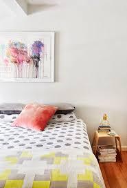 schlafzimmer mit farbe gestalten raumdesign ideen abstrakte
