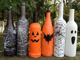 Diy Halloween Decorations Pinterest by Best 25 Halloween Bottles Ideas On Pinterest Diy Halloween Jars