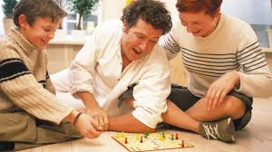 5 Games To Play On Family Game Night