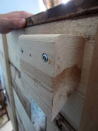step by step project guide on how to build a king sized pallet