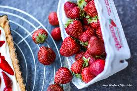 erdbeer mascarpone knusperteig tarte kunterbuntweissblau i