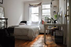 1 Bedroom Apartments Under 700 by Five Tiny Apartments You Can Rent On Chicago U0027s North Side For Less