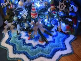 Seashell Christmas Tree Skirt by 87 Best Tree Skirt Images On Pinterest Carpets Crochet Hooks