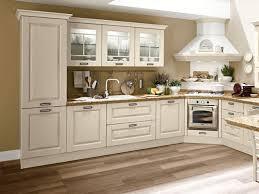 hotte de cuisine en angle design interieur cuisine bois classique angle armoires blanches