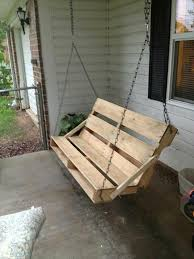 How To Make A Platform Bed Out Of Wood Pallets by 40 Diy Pallet Swing Ideas 99 Pallets