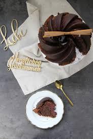 rotweinkuchen mit kirschen und schokolade kleid kuchen