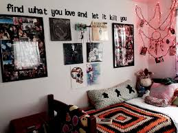 Superb 90s Bedroom Dcor How Can I Decorate My Home ExteriorAs You Think About Numerous Outdoor Designing Ideas Youll Realize That Less Is More