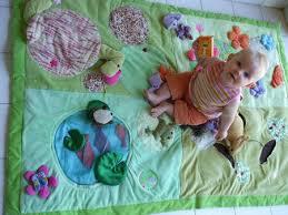 tapis d eveil couture tuto couture fabriquer un tapis d éveil le coffre de scrat