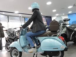 Instant Mode La Vespa Px 125 Bleu Parfaite Pour Ce Printemps