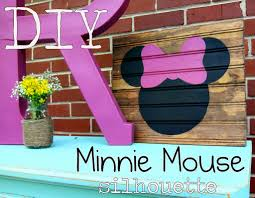 Minnie Mouse Bed Decor by Diy Minnie Mouse Silhouette Spoonful Of Imagination