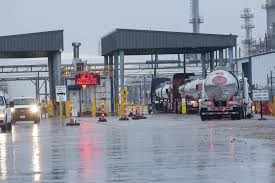 Hurricane Harvey Hits U.S. Oil Hub With Massive Winds, Torrential ... Atlas Van Lines Evansville In Rays Truck Photos Hurricane Harvey Hits Us Oil Hub With Massive Winds Torrential Freight Home Rutledge Moving Systems Oviedo Fl Official Website Services Transportes Montes Orozco Cardinale Storage 11360 Commercial Pkwy Castroville Ca David Schelske Photography Trucking Peninsula Pens Emergetms Help Center