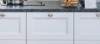 landhaus küche in weiß seidenmatt o außenprofil küche berlin
